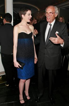 Anne Hathaway laphams quarterly first annual gala in ny 14 05 12