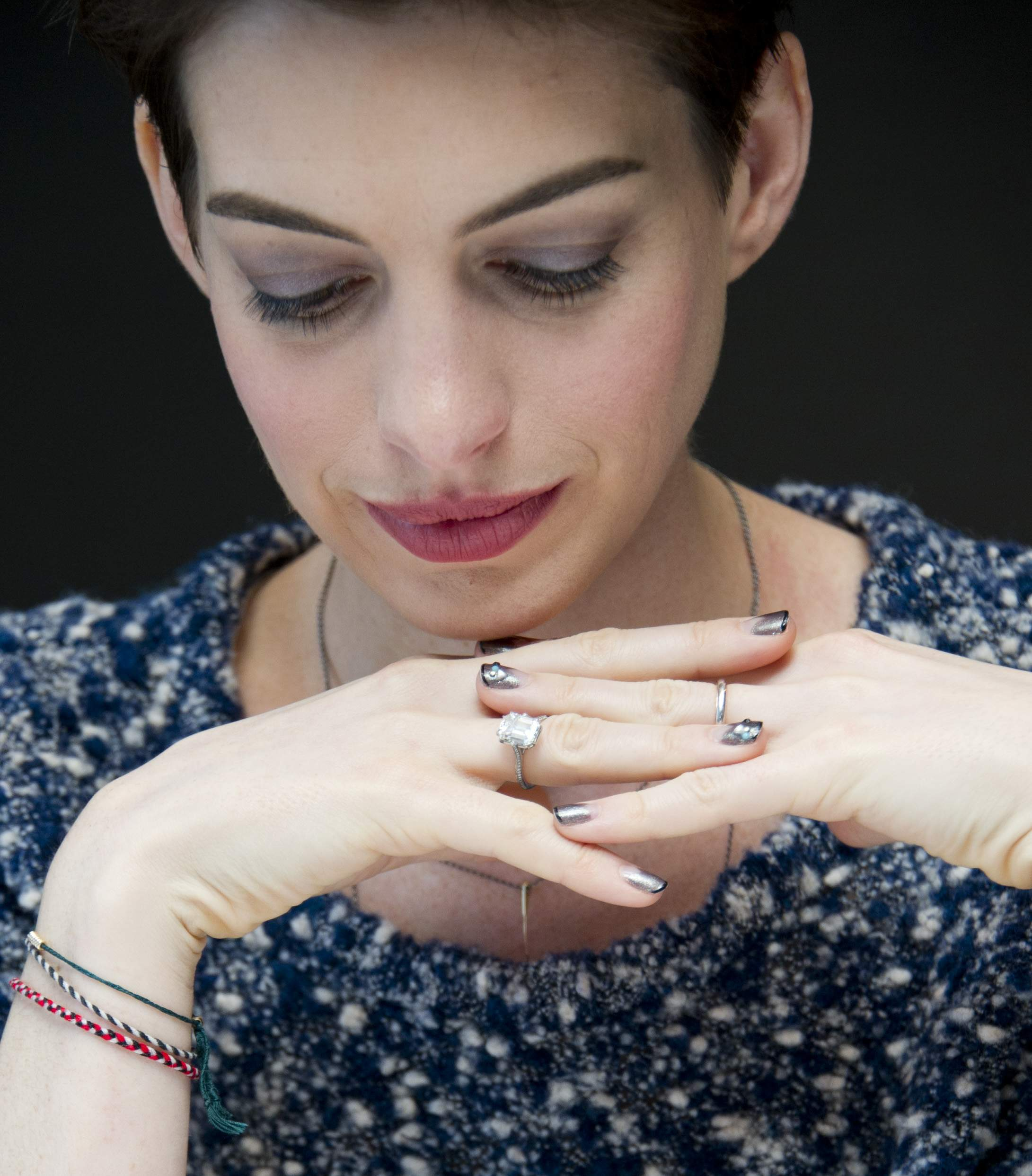 Anne Hathaway Pictures. Anne Hathaway Photocall Of The