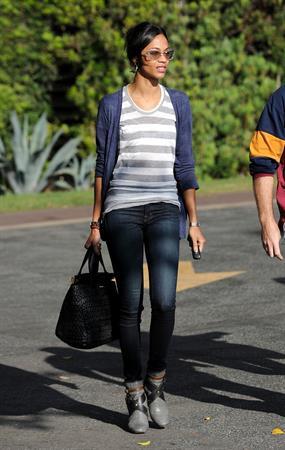 Zoe Saldana stops by the L.A. Mart