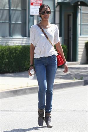 Zoe Saldana Stops By a Law Office in Beverly Hills on May 11, 2011