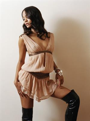 Zoe Saldana : Very Hot Photoshoot