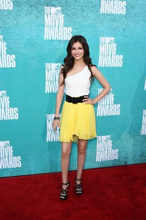 Victoria Justice - MTV Movie Awards at Universal Studios, Arrivals - June 3, 2012