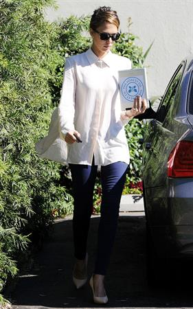Jessica Alba Arriving at her office in Santa Monica - October 23, 2012