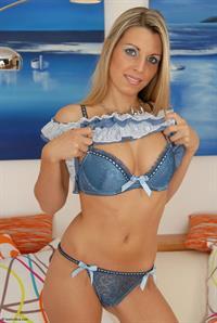 Gabina in lingerie
