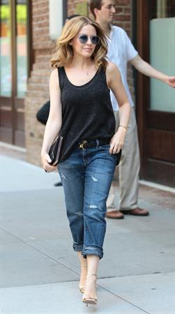 Kylie Minogue out for a stroll in New York City (20.06.2013)