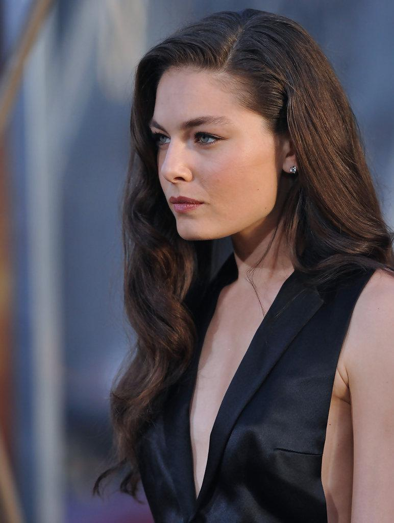 Alexa davalos nude sex on the stadium on scandalplanetcom 2