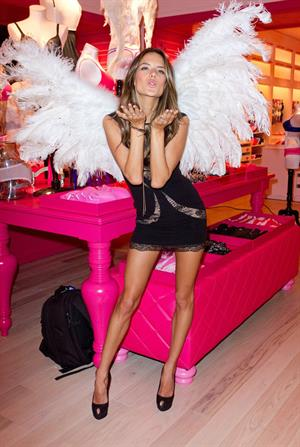Alessandra Ambrosio at the Victorias Secret store opening at Plaza Las Americas 16.11.2011