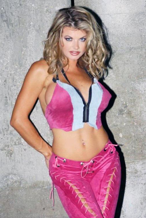 Vicky Vette