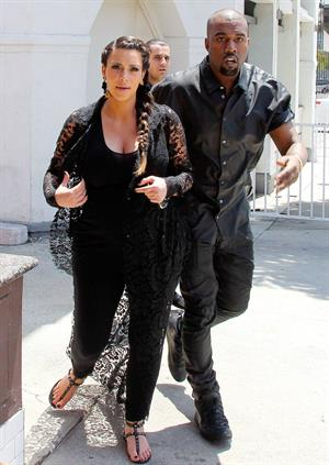 Kim Kardashian Goes house hunting with Kanye West in Bel Air (May 10, 2013)