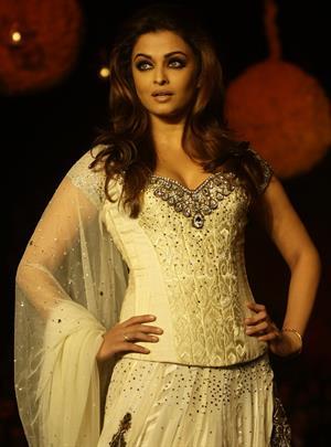 Aishwarya Rai Manish Malhotra Creations during hdil India Couture week in Mumbai on October 6, 2010