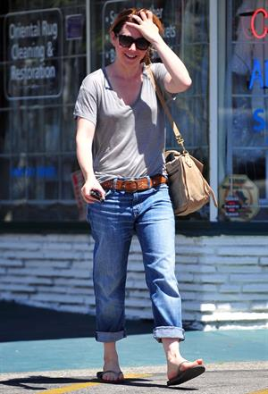 Alyson Hannigan candids leaving the Brentwood Country Mart on April 28, 2011