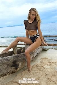 Hannah Ferguson for Sports Illustrated Swimsuit Edition 2017