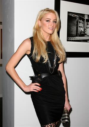 Amber Heard Tasya Van Tee art exhibit hosted by Amber Heard on February 11, 2010