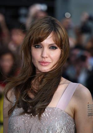 Angelina Jolie Salt Premiere in London on August 16, 2010
