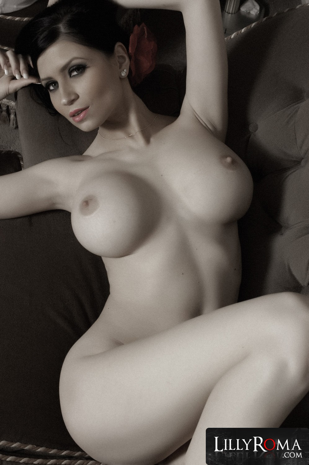 lilly roma nude