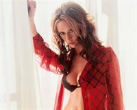 Jennifer Love Hewitt in lingerie