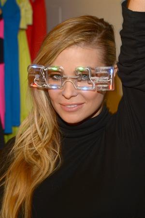 Carmen Electra Preparing for her FONey Years Eve Appearance in LA 26.12.12
