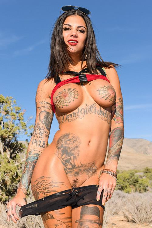 Bonnie rotten naked