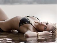 Jillisa Lynn in a bikini