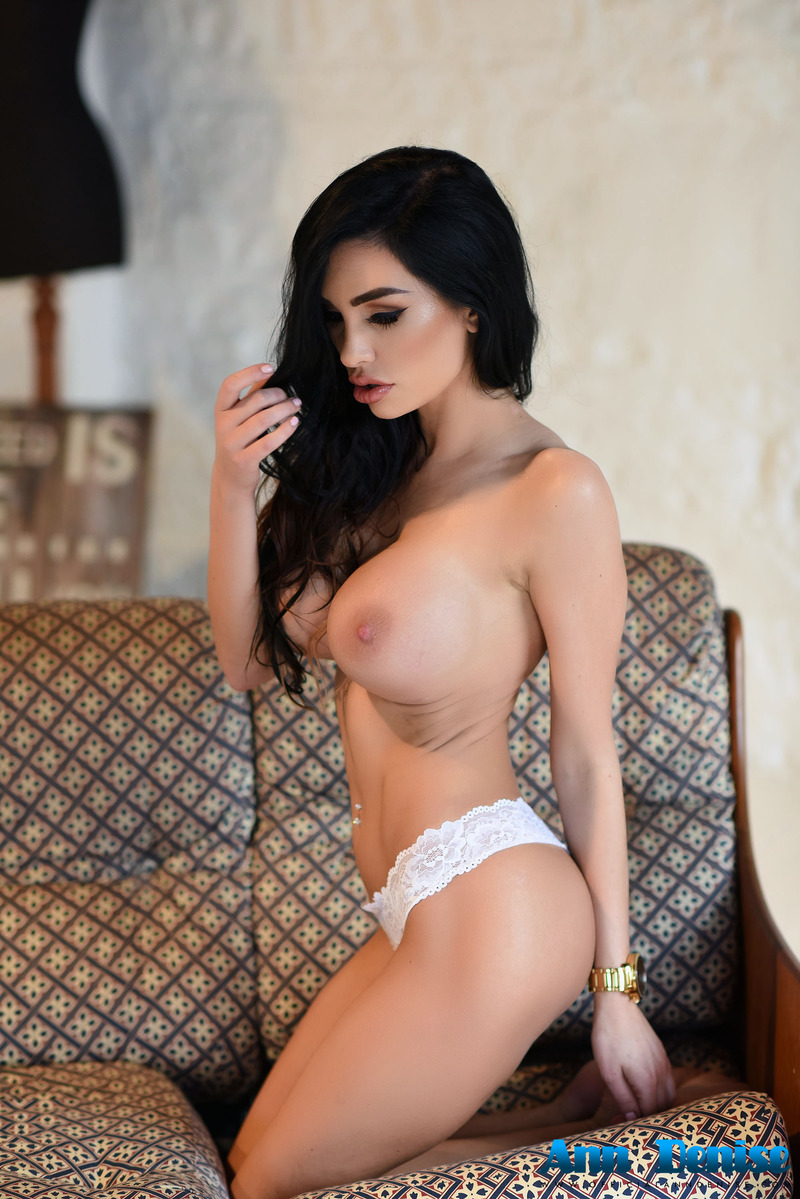 Pictures of really hot women