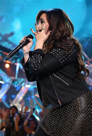 Demi Lovato VH1 Divas 2012 in Los Angeles 12/16/12