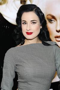 Dita Von Teese International Beauty Show (April 14, 2013)
