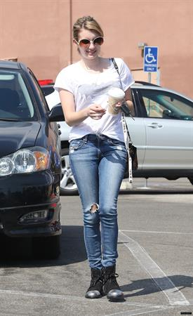 Emma Roberts Tight Jeans The Griddle Cafe And Rite Aid LA (10/09/12)