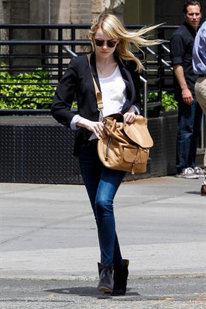 Emma Stone - out and about in New York City (17.05.2013)