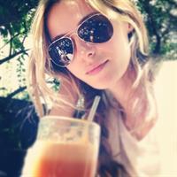 Valentina Zelyaeva taking a selfie