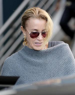 Felicity Huffman Arrives at LAX Airport with daughter in Los Angeles (November 11, 2013)