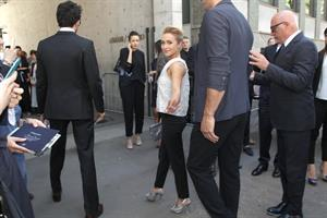 Hayden Panettiere arrives at the Giorgio Armani Fashion Show in Milan on June 25, 2013