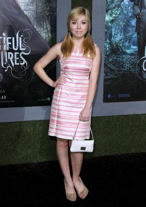 Jennette Mccurdy Beautiful Creatures premiere in Hollywood 2/6/13