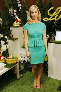 Jennie Garth 2013 Lindt Gold Bunny Celebrity Auction (March 5, 2013)