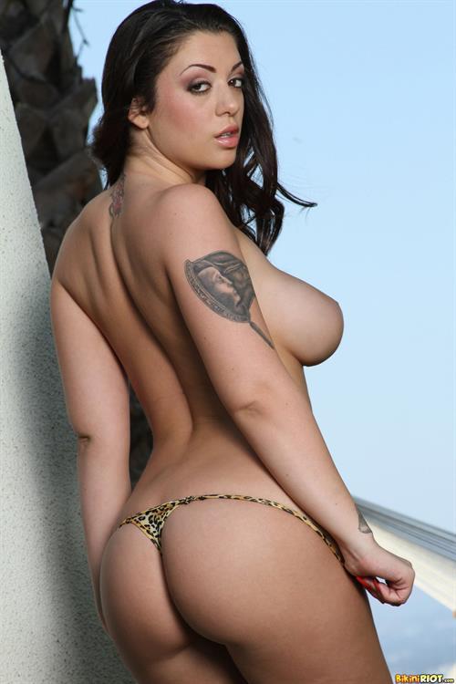 Celeb Melina Mason Nude Scenes