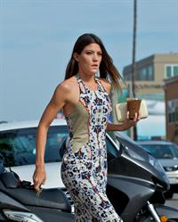 Jennifer Carpenter picks up an iced coffee King's Road Cafe in LA October 6, 2012
