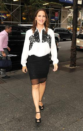 Jennifer Garner - out and about in Manhattan, New York City (Aug 14 2012)