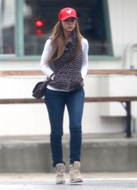 Jennifer Love Hewitt out and about in Los Angeles 11/17/12