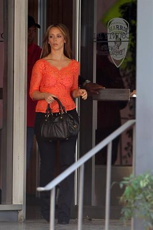 Jennifer Love Hewitt on the set of 'The Client List' in Los Angeles 11/8/12