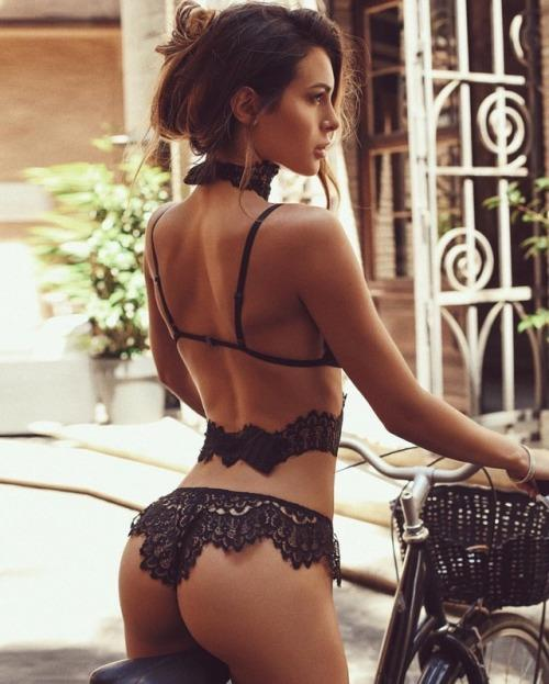 Silvia Caruso in lingerie - ass