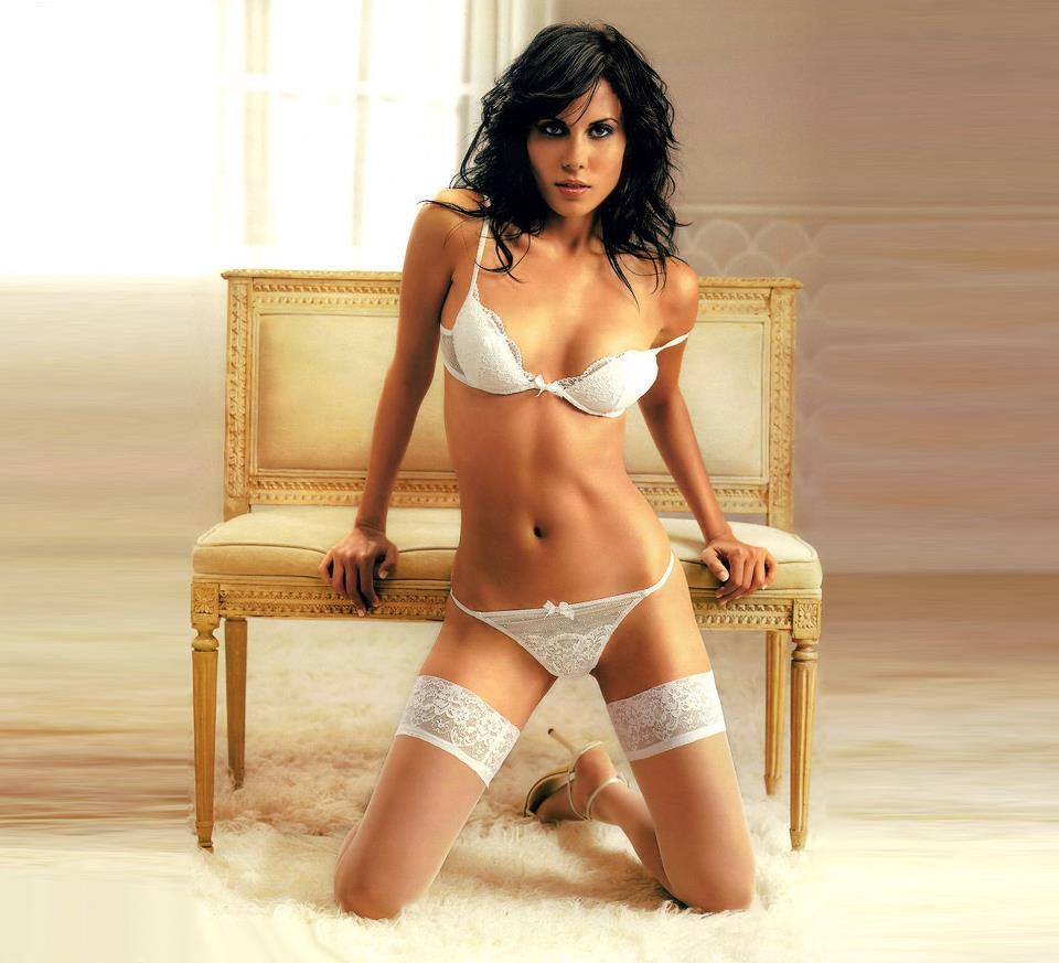 Karima Adebibe in lingerie