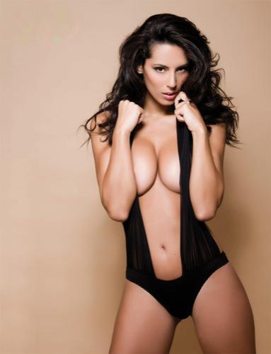 Raffaella Modugno in lingerie