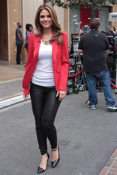 Maria Menounos Set of Extra at The Grove in LA - November 8, 2012