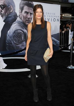 Michelle Stafford  Oblivion  - Los Angeles Premiere (April 10, 2013)