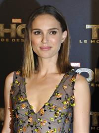 Natalie Portman  Thor: The Dark World  Premiere in Paris 10/23/2013