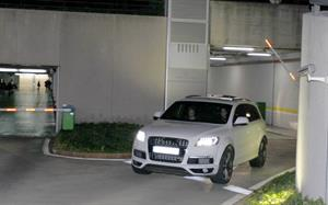 Shakira Leaving a their future home with fiance Gerard Pique in Barcelona, Spain (November 14, 2012)