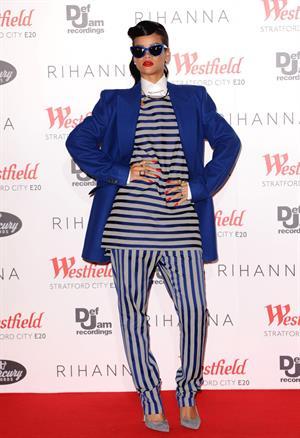 Rihanna Westfield Stratford Lights London Switch On (November 19, 2012)