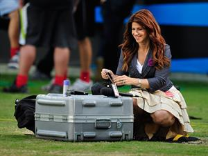 Rachel Nichols At the New York Giants and the Carolina Panthers Game in Charlotte, North Carolina (September 20, 20