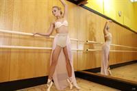 Hot Ballerina Jati