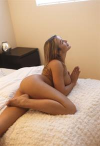 Blair Williams is her 1st testshoot for casting photos for porn
