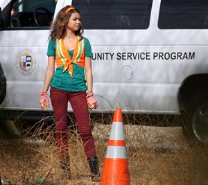 Sarah Hyland on the set of Modern Family 10/9/12